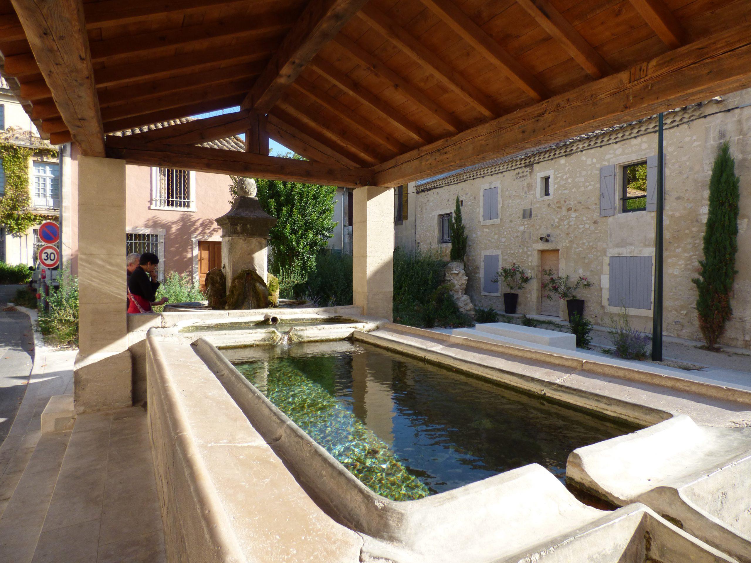The historic village office de tourisme maussane les - Office de tourisme maussane les alpilles ...