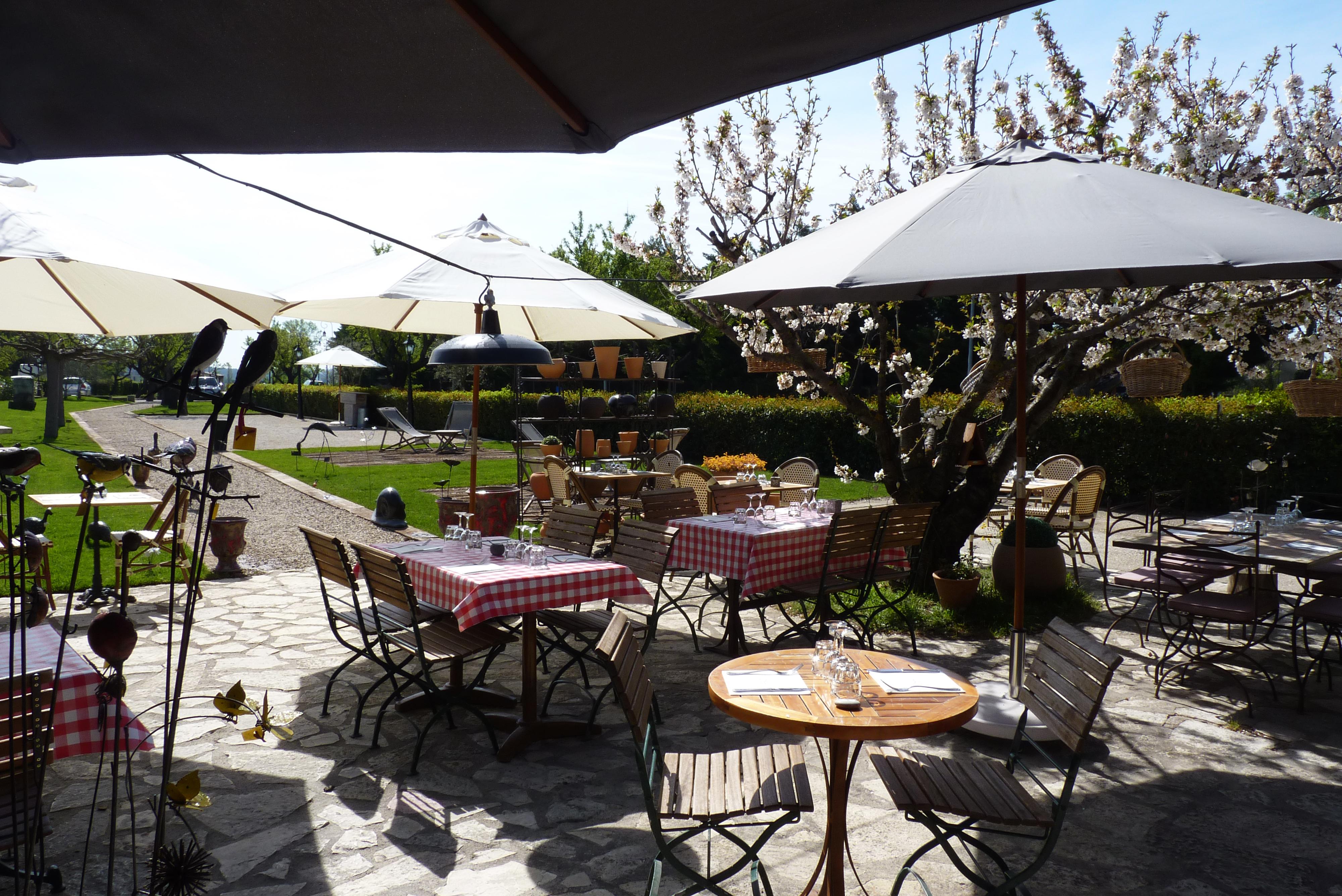 Restaurant aux ateliers chez franck et flo office de - Office de tourisme maussane les alpilles ...