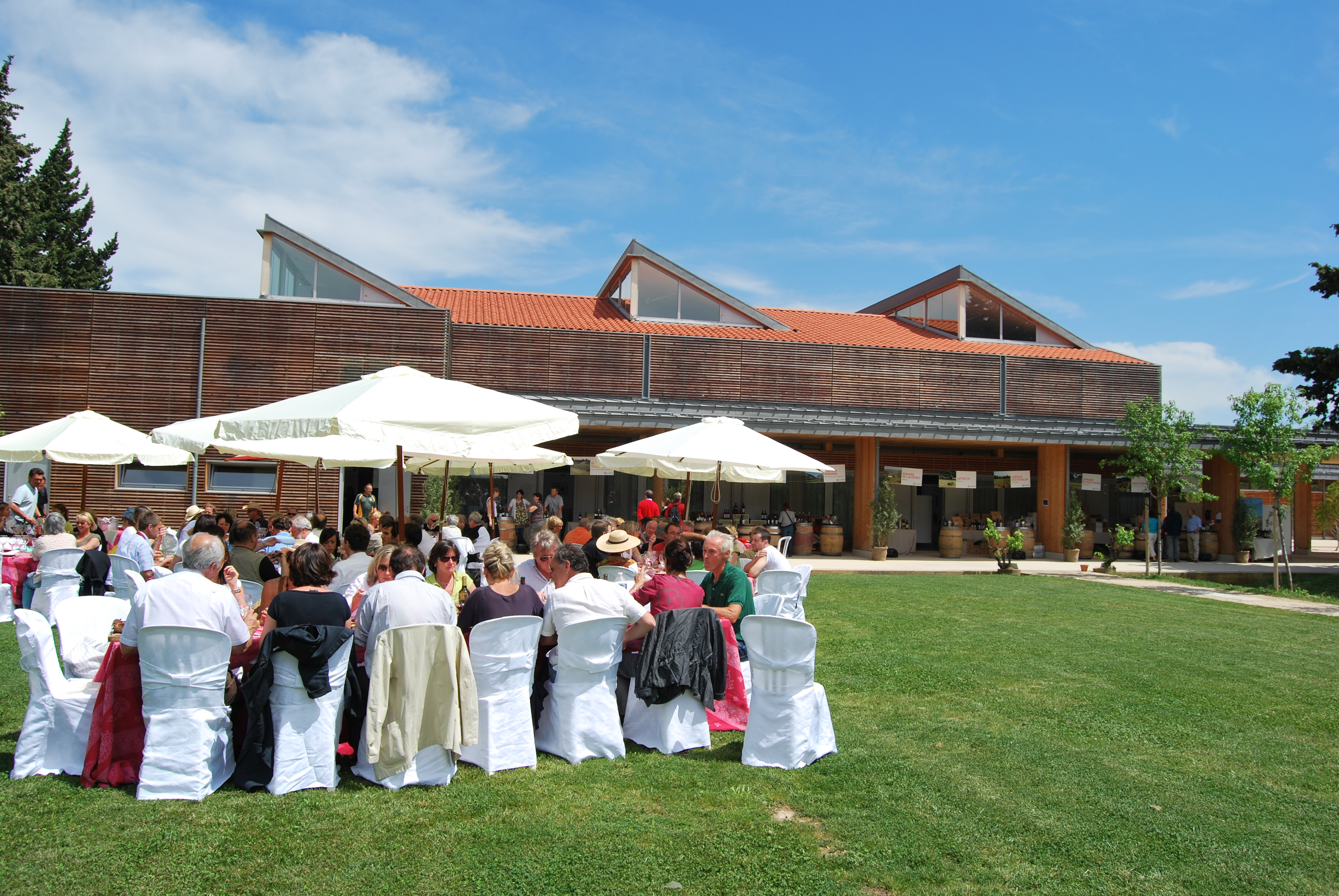 D couvrez l 39 espace agora alpilles office de tourisme - Office de tourisme maussane les alpilles ...