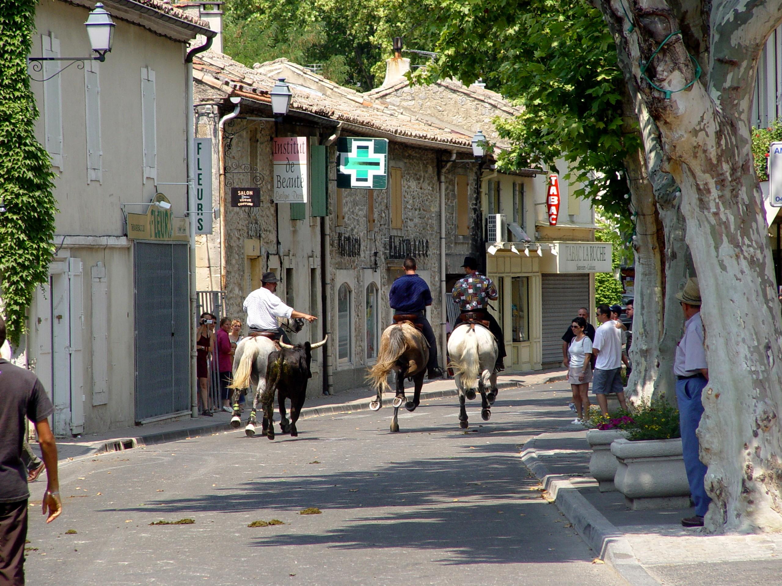 La bandido office de tourisme maussane les alpilles - Office de tourisme les contamines montjoie ...
