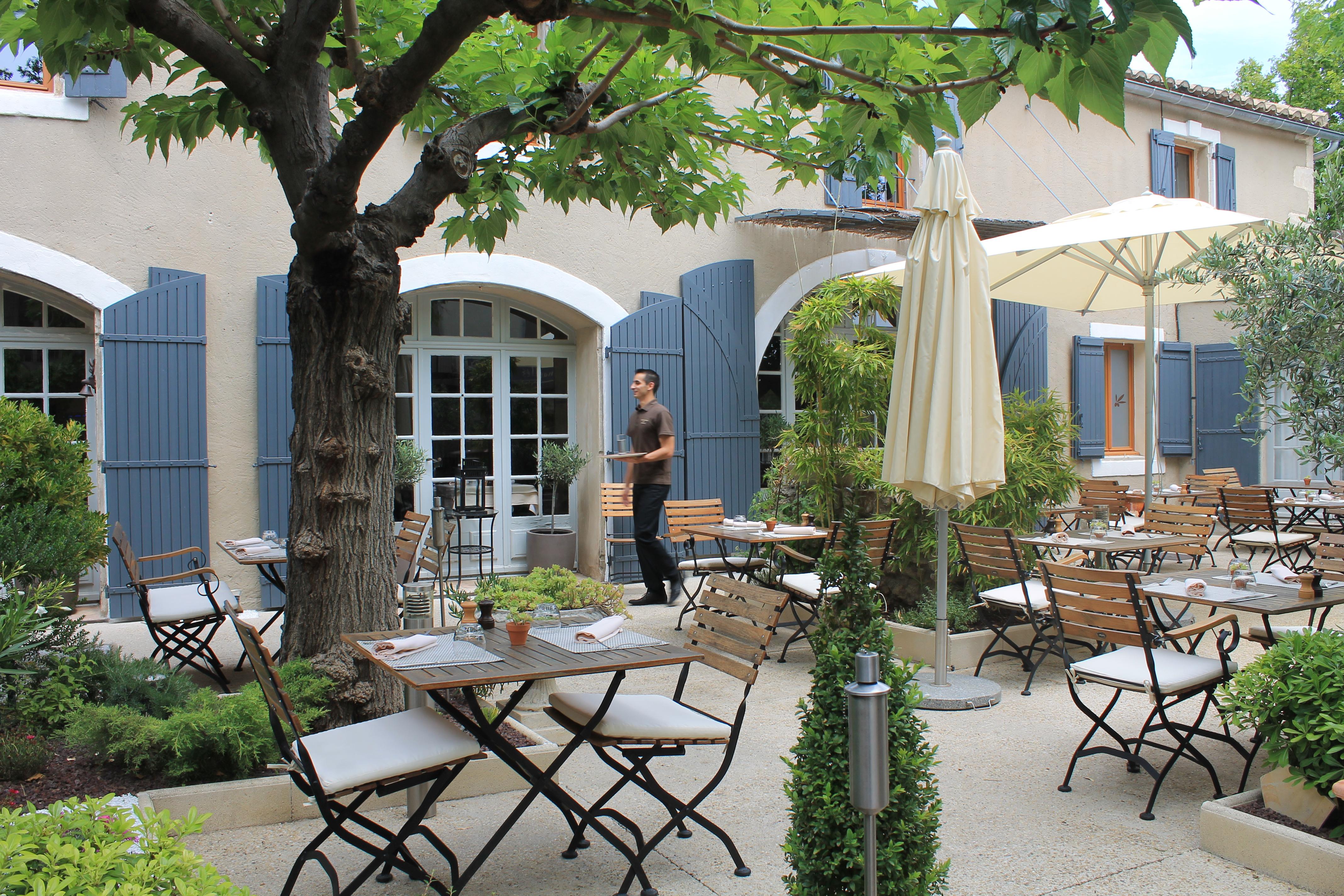 Restaurant le clos saint roch office de tourisme - Office de tourisme maussane les alpilles ...