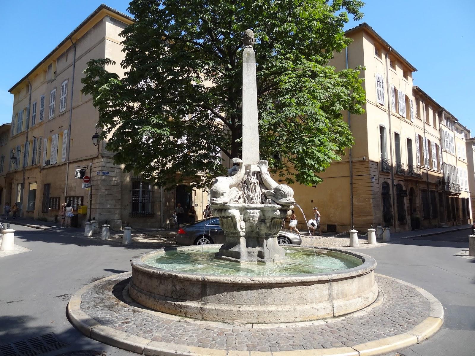 Aix en provence office de tourisme maussane les - Office de tourisme de aix en provence ...